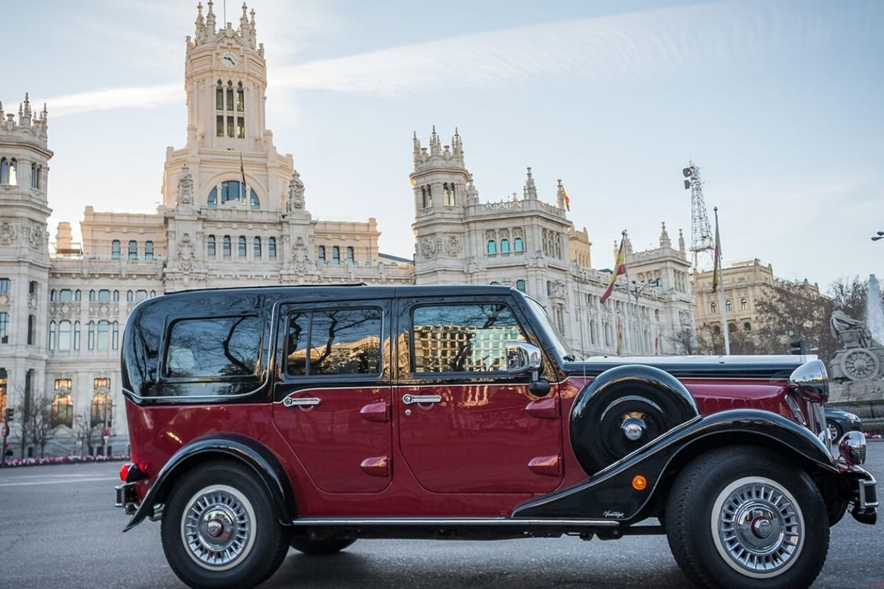 Vintage Car Tour Madrid